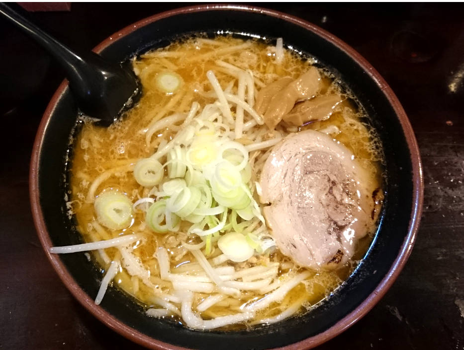 清湯スープっぽい味噌ラーメン