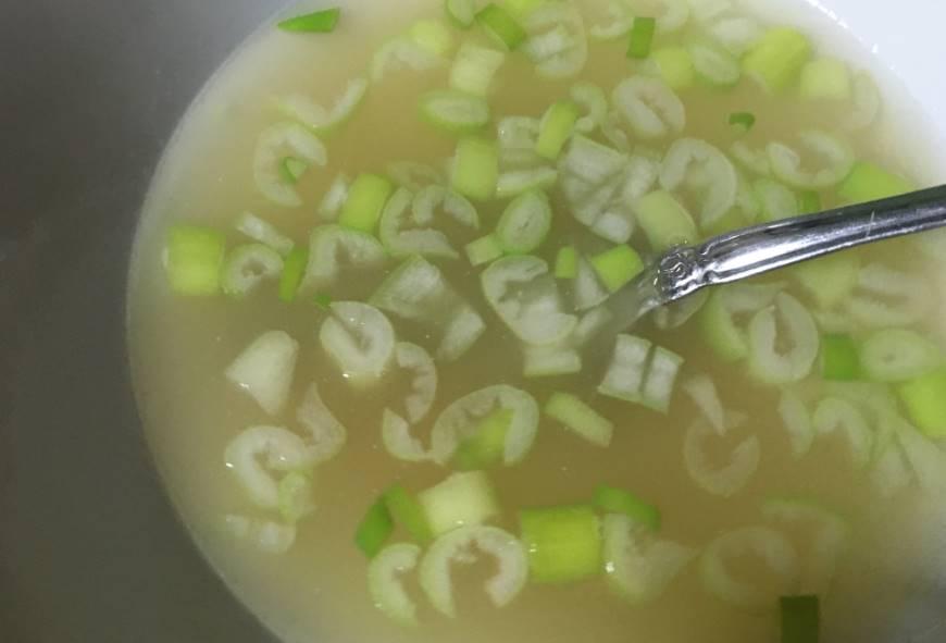 鶏飯用の具とスープ