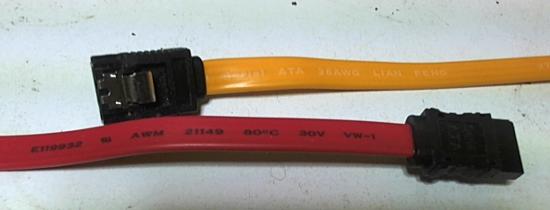 serial ATA 1とserial ATA2 cable