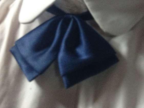 制服リボン青