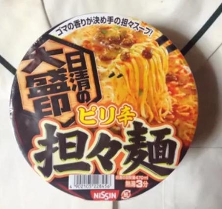 日清の大盛印 ピリ辛担々麺