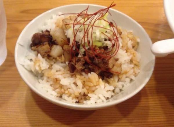 豚めし(中)