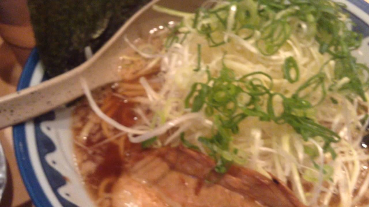麺処なんでやねん:葱トッピングの醤油ラーメン