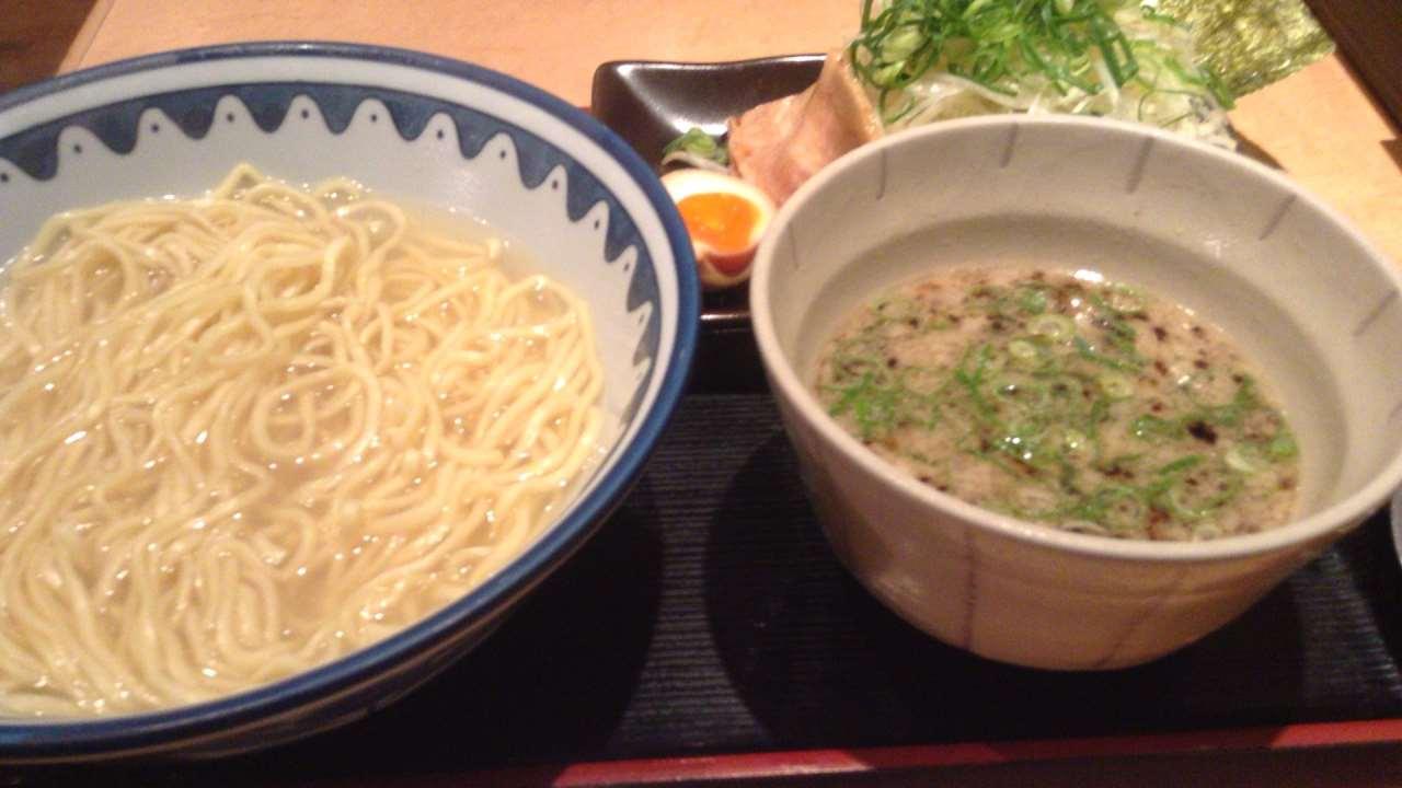 つけ麺 麺処なんでやねん醤油とネギトッピング(東京都墨田区のラーメン屋)