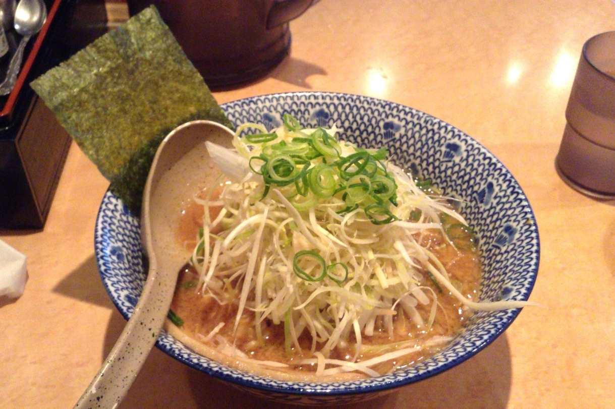 麺処なんでやねんの味噌麺750円