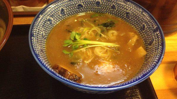 麺屋 頂 中川會濃厚魚介鶏つけ麺 並盛 200g 780円のスープの写真