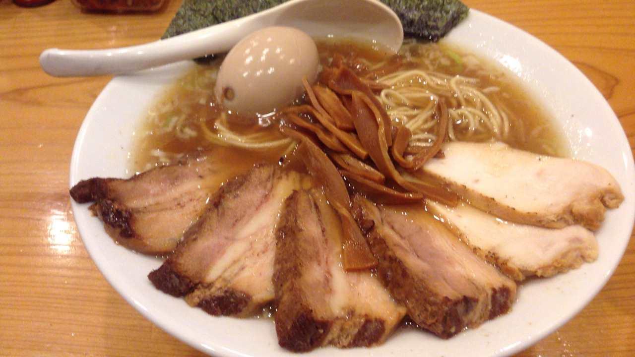 特すすべ中華そば1100円すずめ食堂というラーメン屋