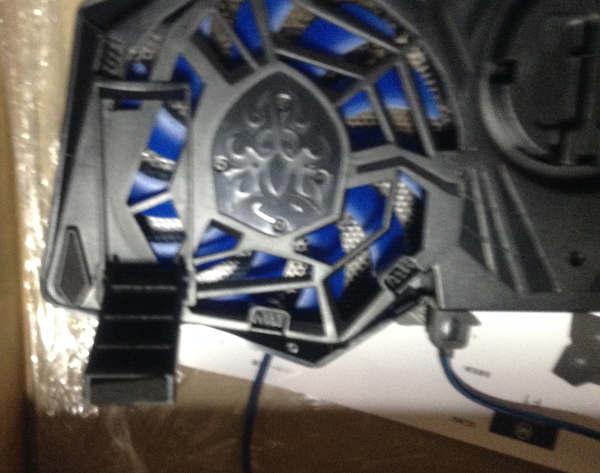 MUSON (ムソン) 超静音 冷却ファン ノートブッククーラー F1 (ブラック)の足部分