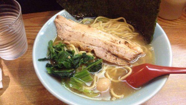 亀戸駅近くの家系なラーメン屋大倉家 にて食べたラーメン