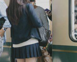 女子制服、ズボン選べる学校当たり前にした校長という記事