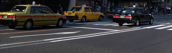 道路のタクシー
