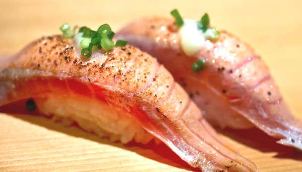 サーモン炙り寿司
