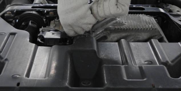 自動車整備の様子