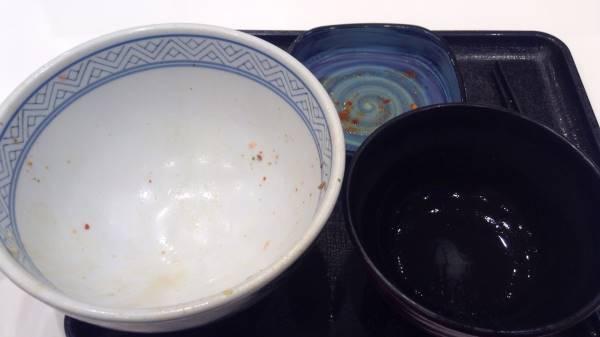 完食した写真 吉野家の牛丼並盛とキムチのCセット