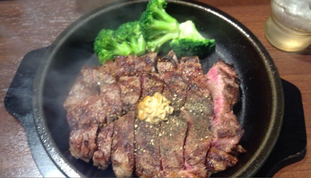 いきなり!ステーキのワイルドステーキとブロッコリー