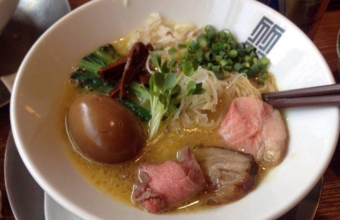 竹末東京プレミアムの鶏白湯ラーメン