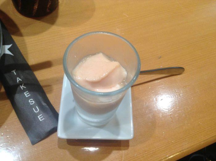 竹末東京プレミアム夜の部のデザートのプリン(苺)
