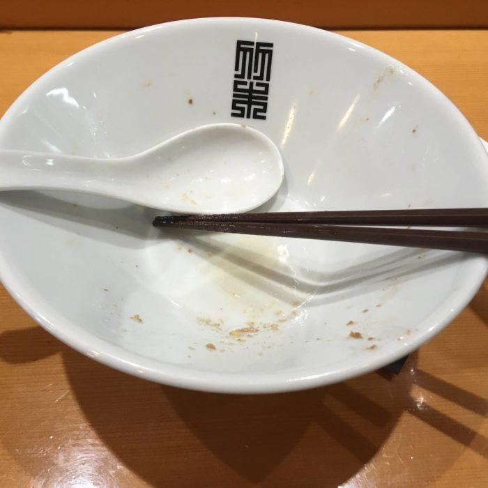『サンマとイカのまぜそば』を完食した丼