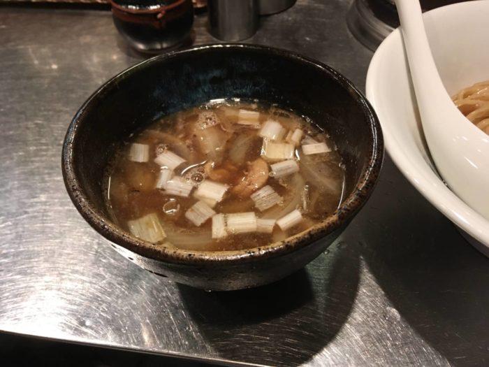 鴨つけそば スープ『さんじ』(稲荷町駅・上野駅近く)