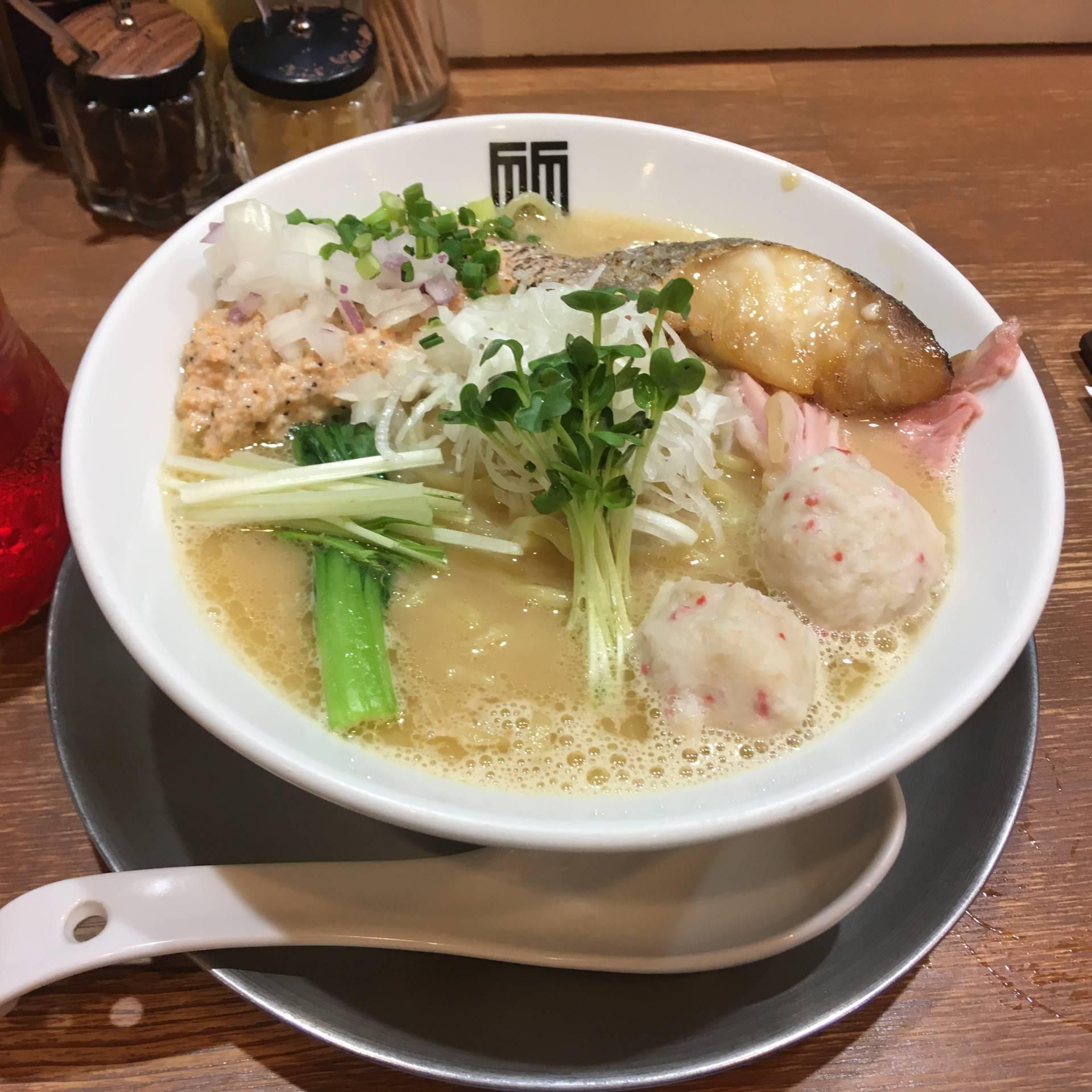竹末東京プレミアムの限定海老の白湯スープ ラーメン