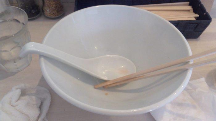 豚清湯 紅チャーシュー増し1100円を完食した丼