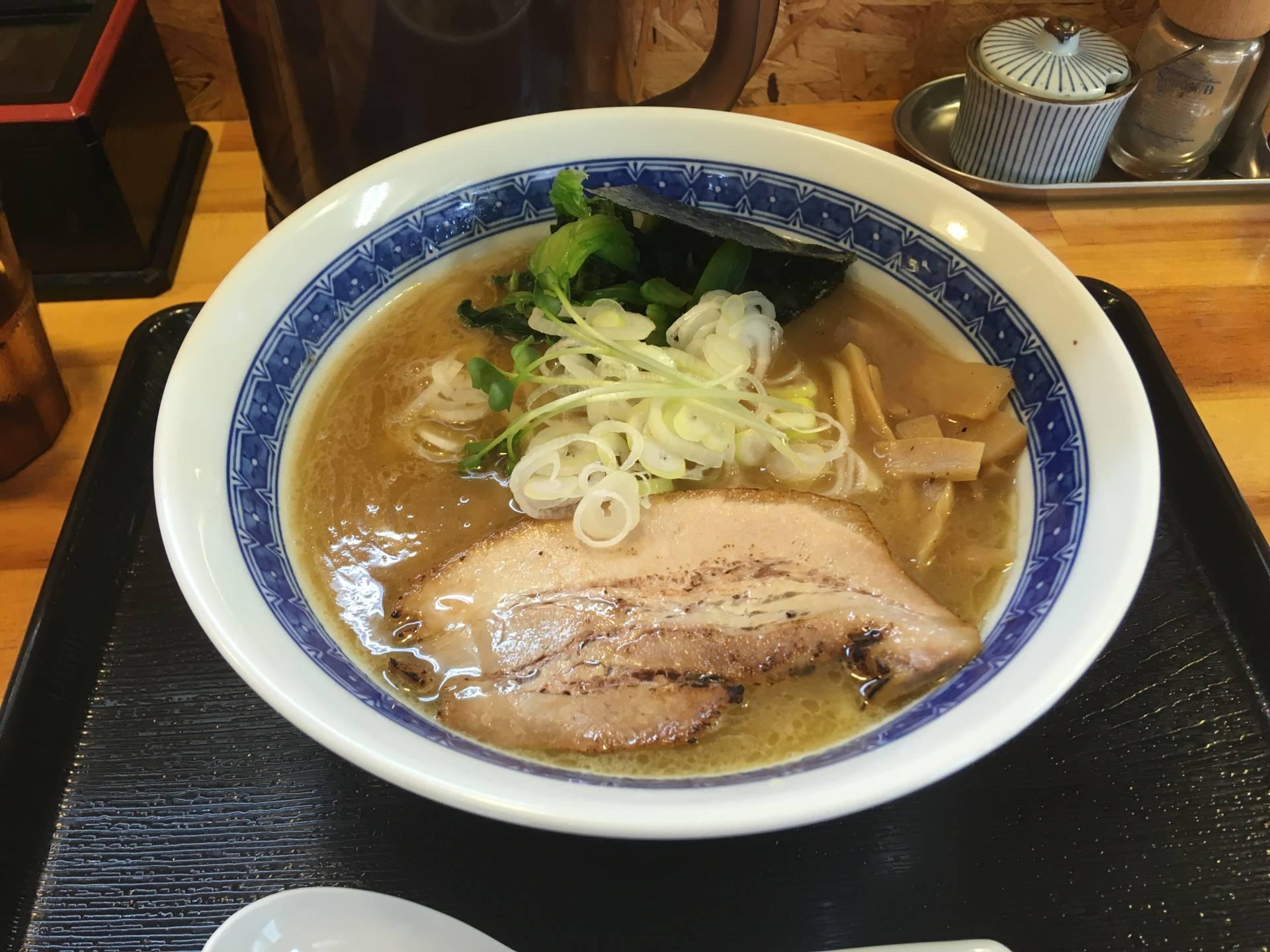 濃厚魚介鶏らーめん800円