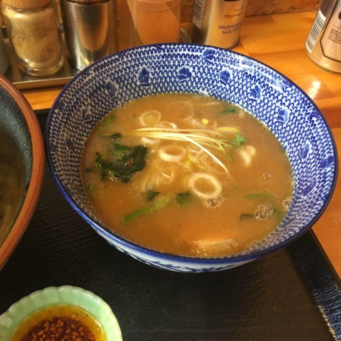麺屋 頂 中川會(曳舟店)『濃厚魚介鶏つけめん』のスープ