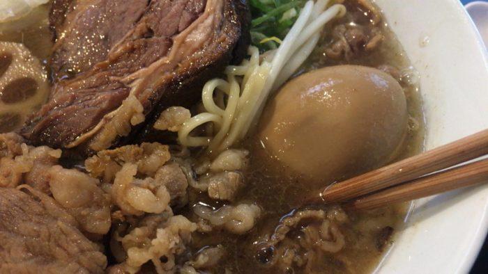 特煮干塩らぁ麺の味玉と麺