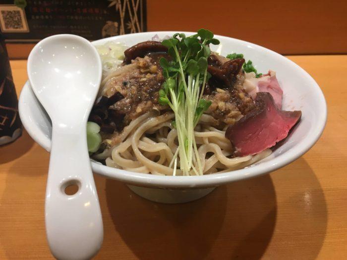 サンマとイカのまぜそば麺大盛り定価1000円
