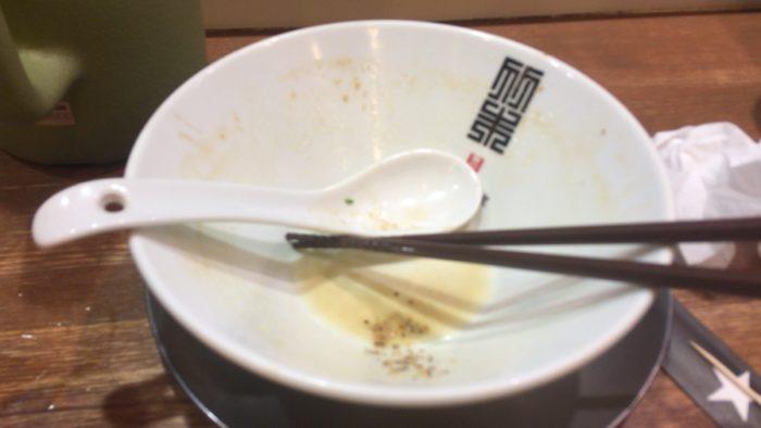 鶏ホタテそば900円を完食した丼