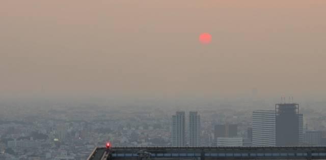 ビルから見える太陽