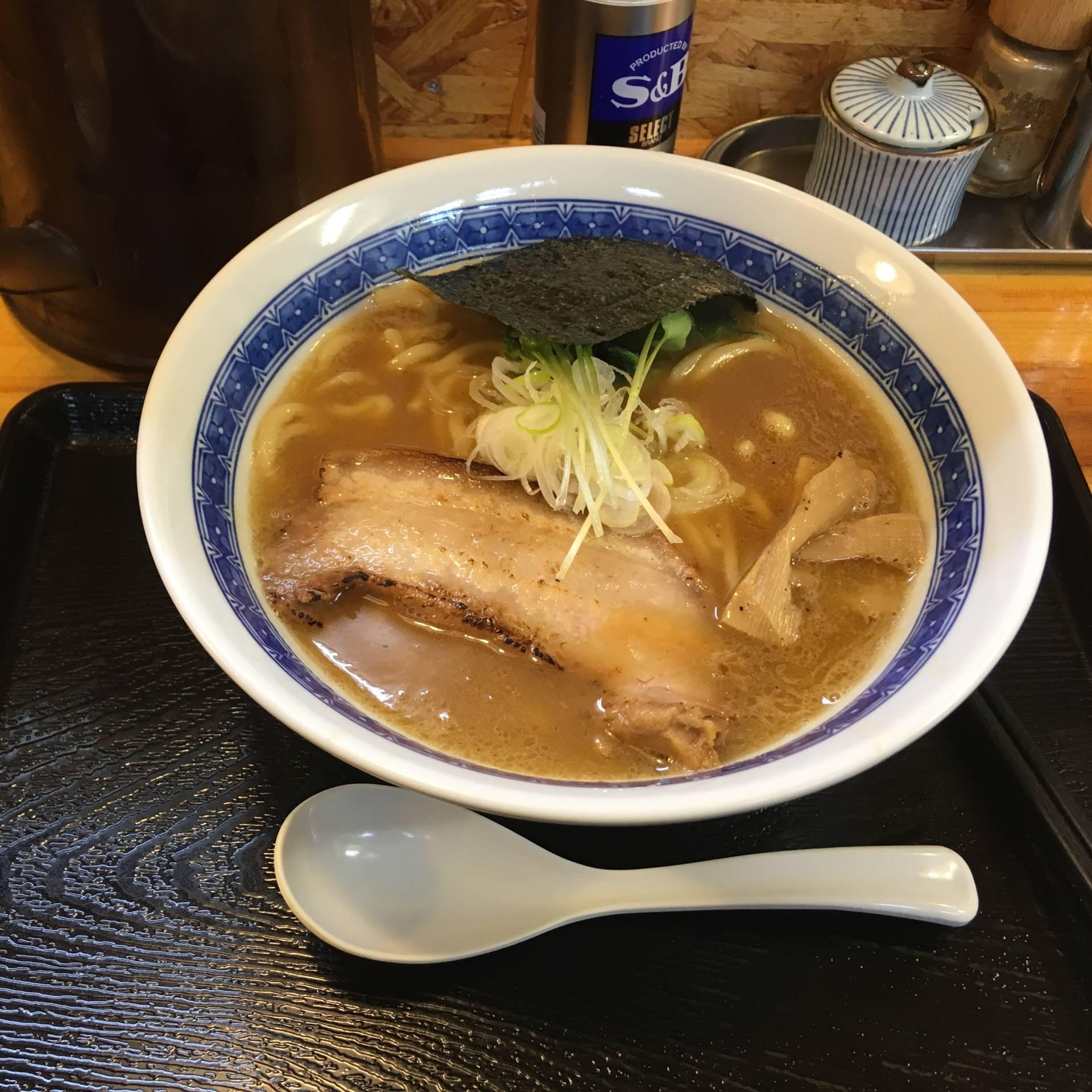 中川會 頂 曳舟店 濃厚魚介鶏らーめん800円