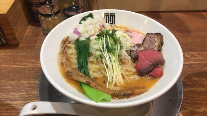 『竹末東京プレミアム』ヤシオマスの塩そば880円