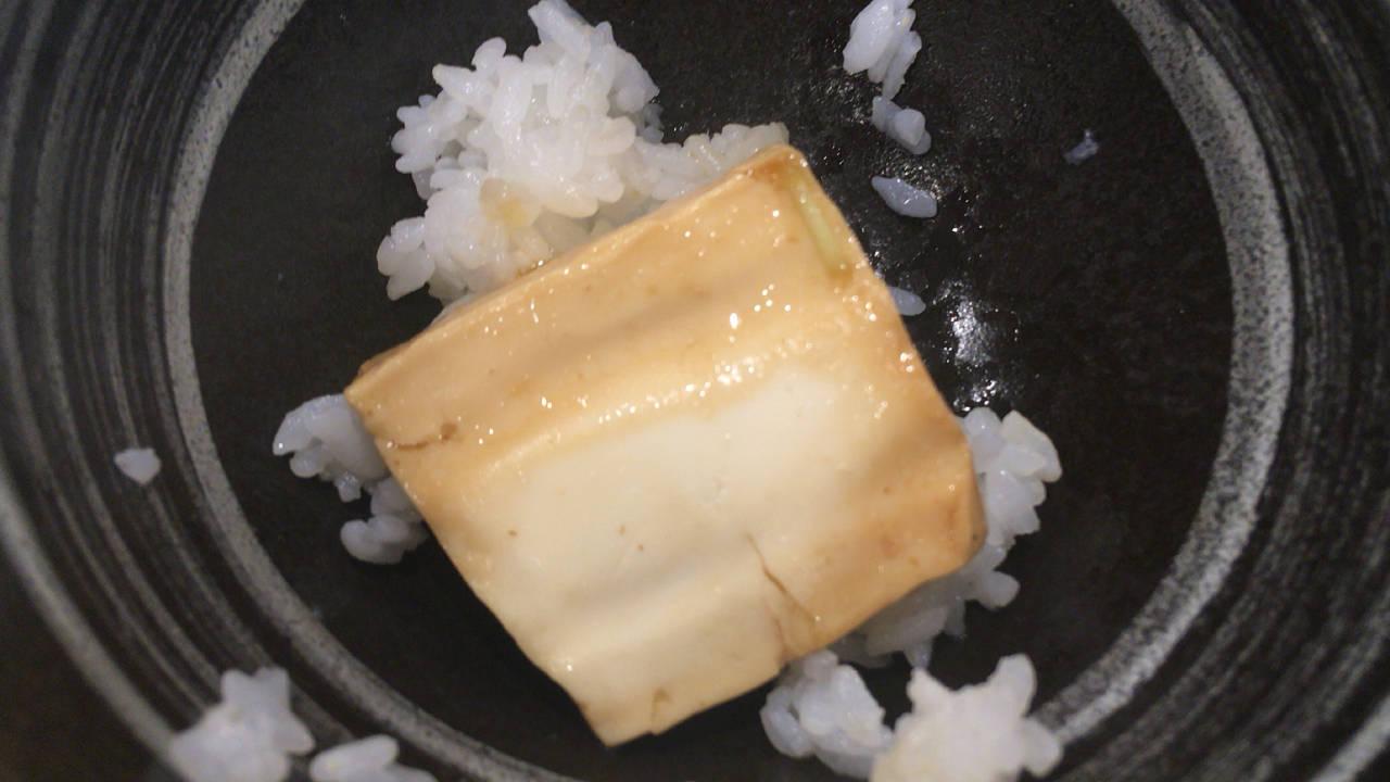 合間に食べる豆腐