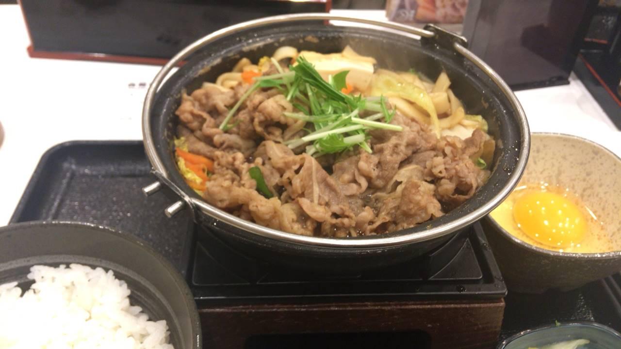 吉野家の2017年11月の牛すき鍋膳