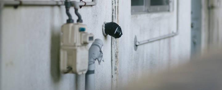 古いアパートの水道計