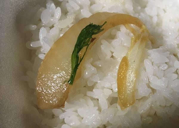 牛すき鍋膳のタマネギっぽい野菜