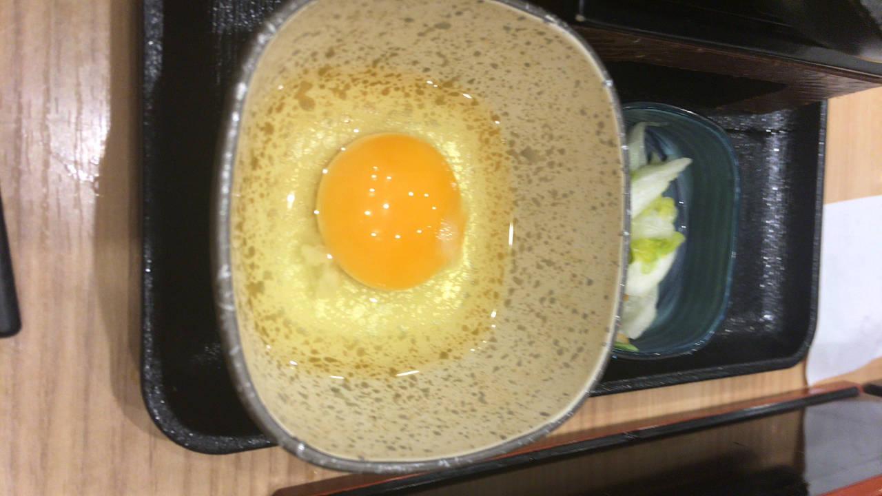 牛すき鍋膳の玉子