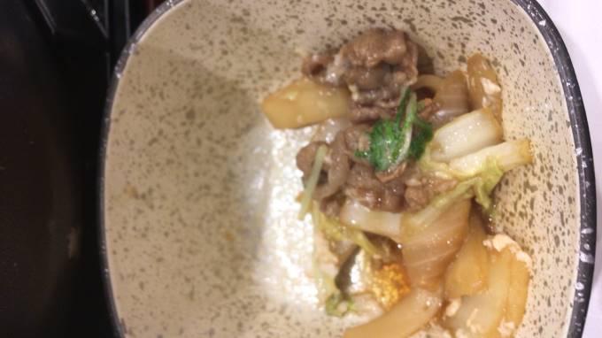 吉野家の牛すき鍋膳18食目の野菜や肉
