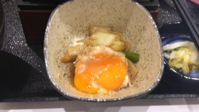 吉野家の牛すき鍋膳18食目の玉子
