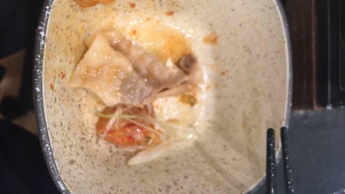 鬼辛豚チゲ鍋膳 の豚肉