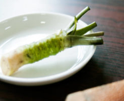 わさび(山葵)の栄養成分とカロリー・炭水化物量(糖質)|野菜