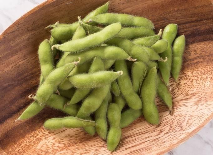 茹でる前の枝豆