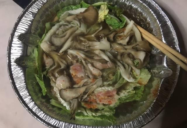まいたけと豚肉白菜鍋