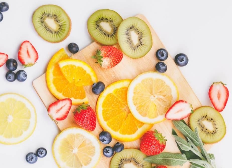 カットされた果物の写真