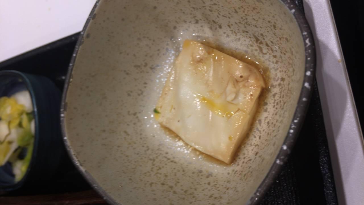 牛すきなべ膳の豆腐