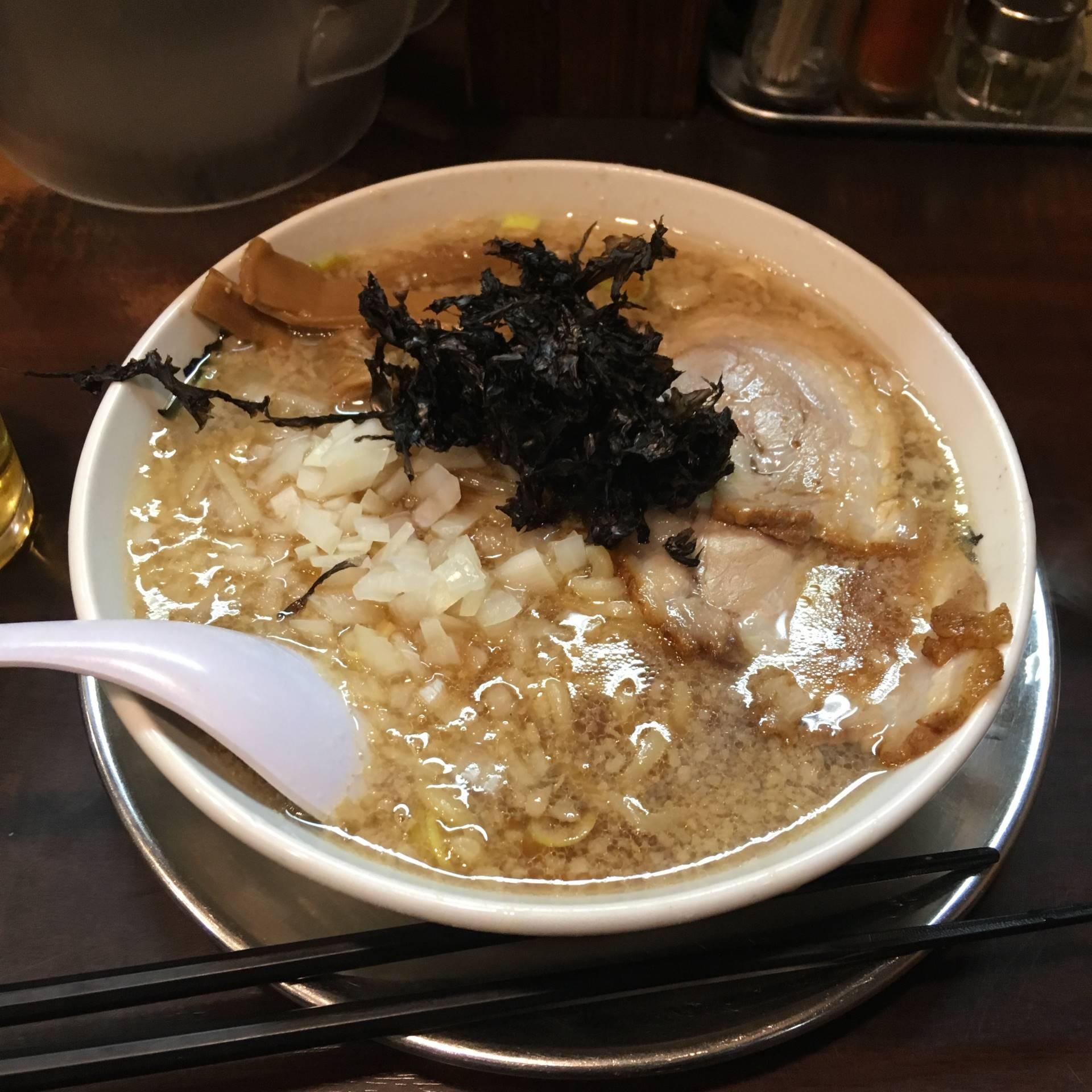 らーめん潤亀戸店にて中華そば760円