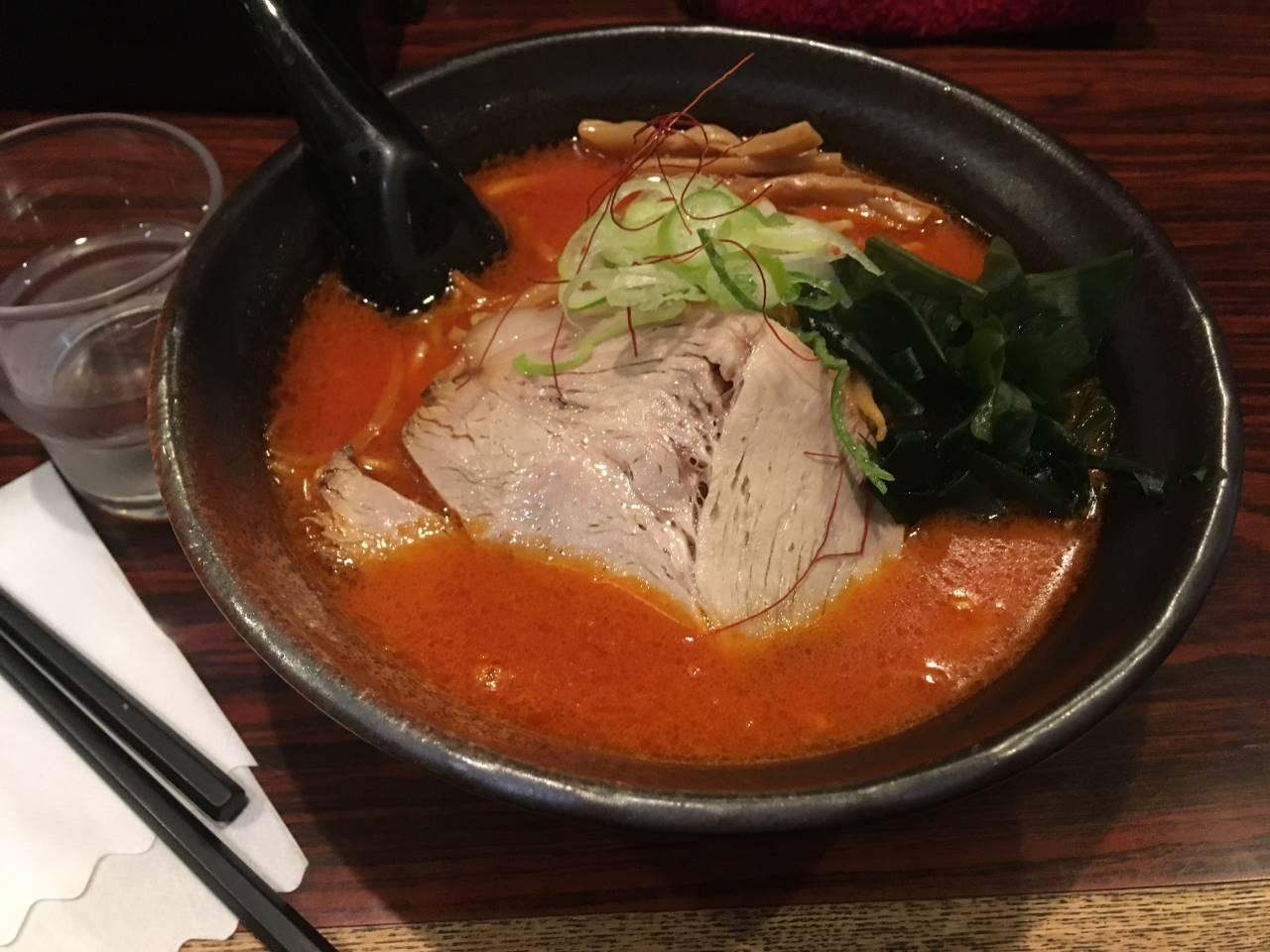辛くて脂っこいラーメン『鉄火麺』