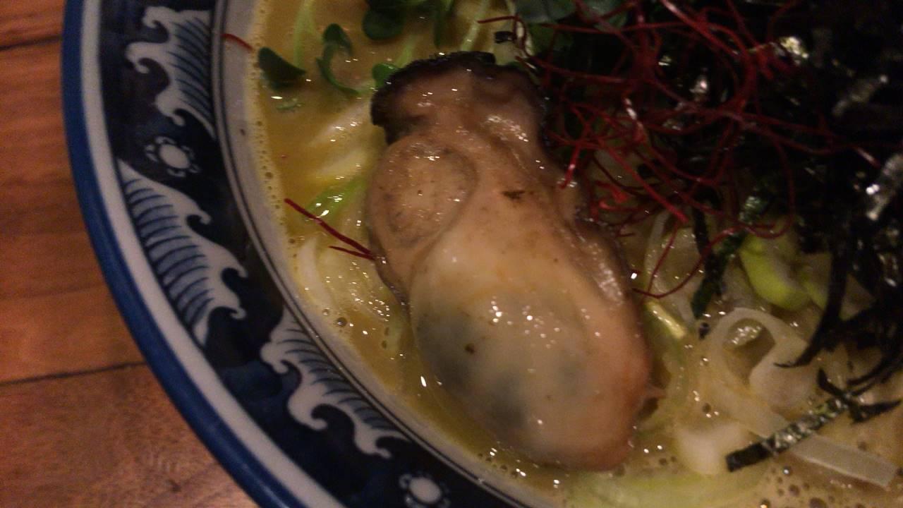 麺や佐市 牡蠣ラーメンの牡蠣