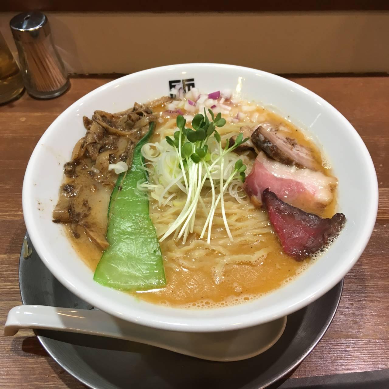 竹末東京プレミアム ヤシオマスの塩そば麺大盛り980円